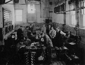 U of T Electrical Engineering lab - circa 1909