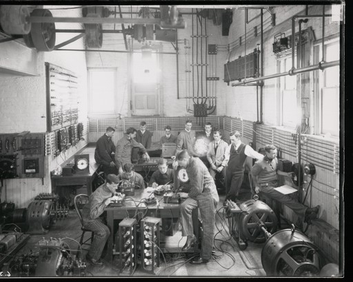 Students gather in electrical engineering lab in 1908.